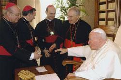 Los obispos de Madrid, con el Beato Juan Pablo II durante la Visita ad limina del año 2005