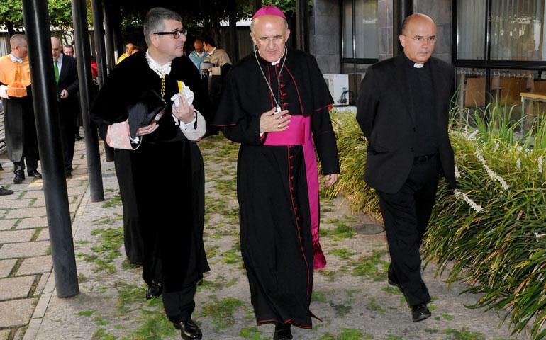 Monseñor Osoro con el Rector de la Universidad Católica de Valencia, don José Alfredo Peris. Foto: AVAN