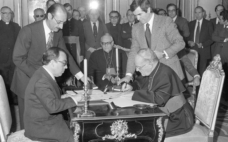 Firma acuerdos Iglesia-Estado