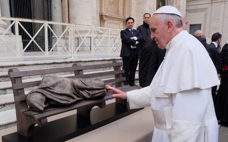 El Papa y el sintecho