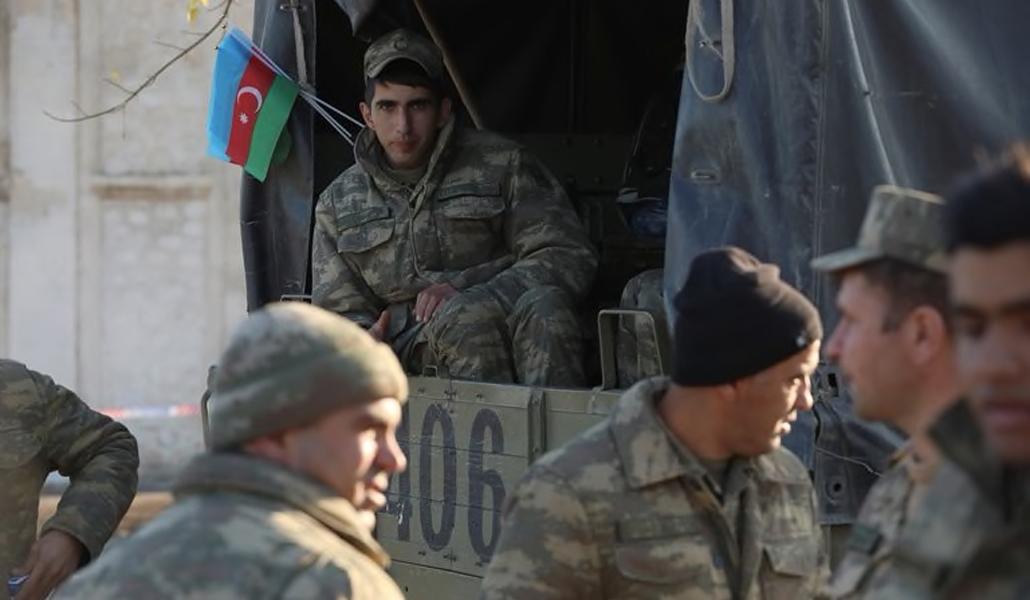 Tropas azeríes en Armenia