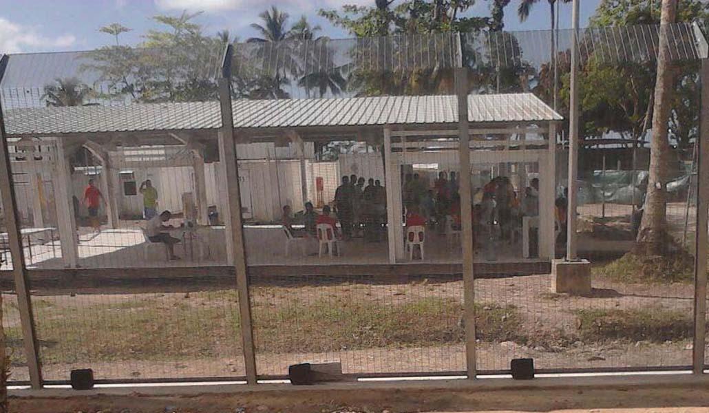 Migrantes retenidos por Australia en Papúa