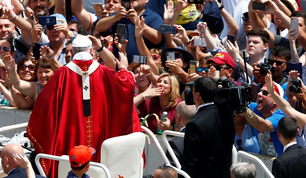 El Papa con movimientos
